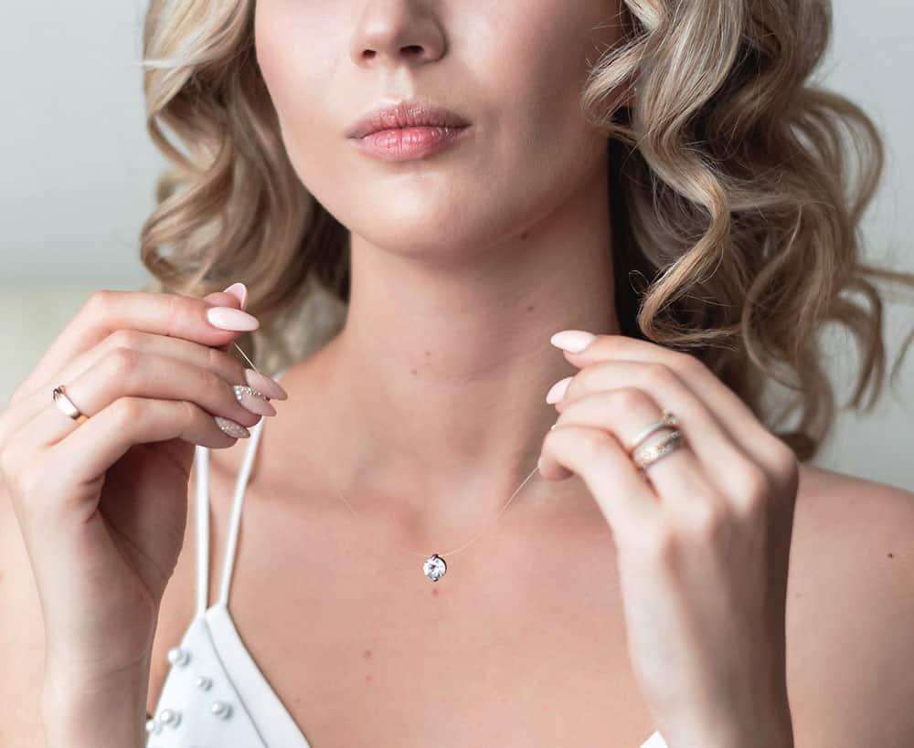 Beautiful blond wearing wonderful jewelry